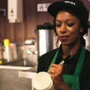 Starbucks will increase the salary of its workers to $ 15 dollars per hour   The State