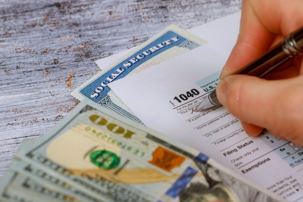 Taxpayers bombard IRS Facebook asking for last season's tax refund   The State