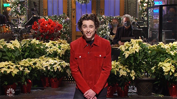 Timothée Chalamet Hilariously Reveals His Mom Did Background On 'SNL' In Opening Monologue