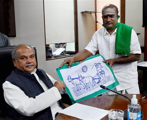 Tomar meets farmers 'supporting agri laws';says govt's 'intention and policy' clear
