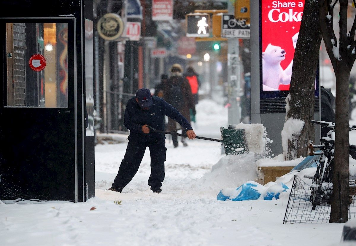Two deaths and 600 road accidents left the long snowfall in New York | The State