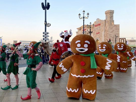 UAE residents enjoy a festive Christmas Eve with bright lights and delicious food