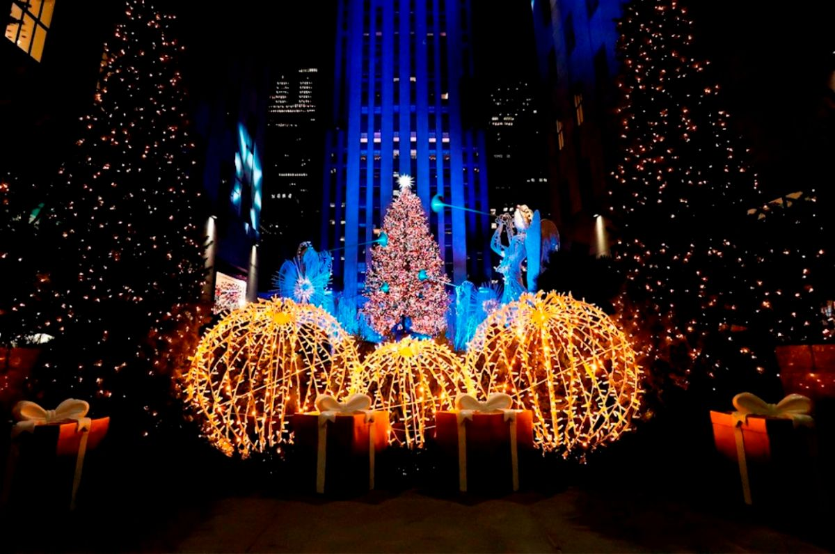 Video: lighting the tree at Rockefeller Center kicked off New York's pandemic Christmas | The State