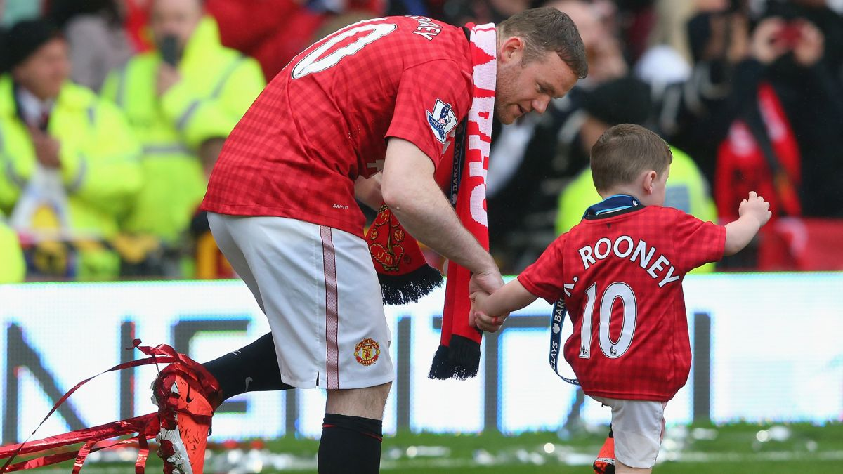 Wayne Rooney's Eldest Son Signs Manchester United Contract | The State