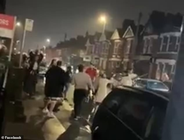 'Wild West' brawl breaks out on streets of Luton