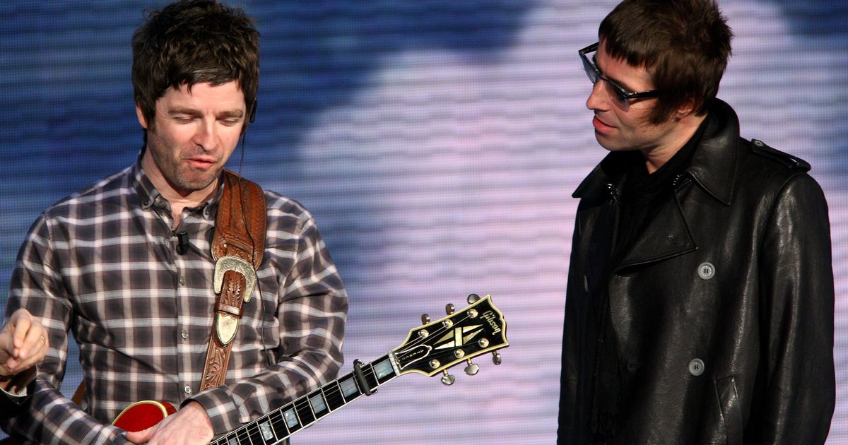 Liam Gallagher trolls Noel minutes into the New Year with Oasis reunion tease