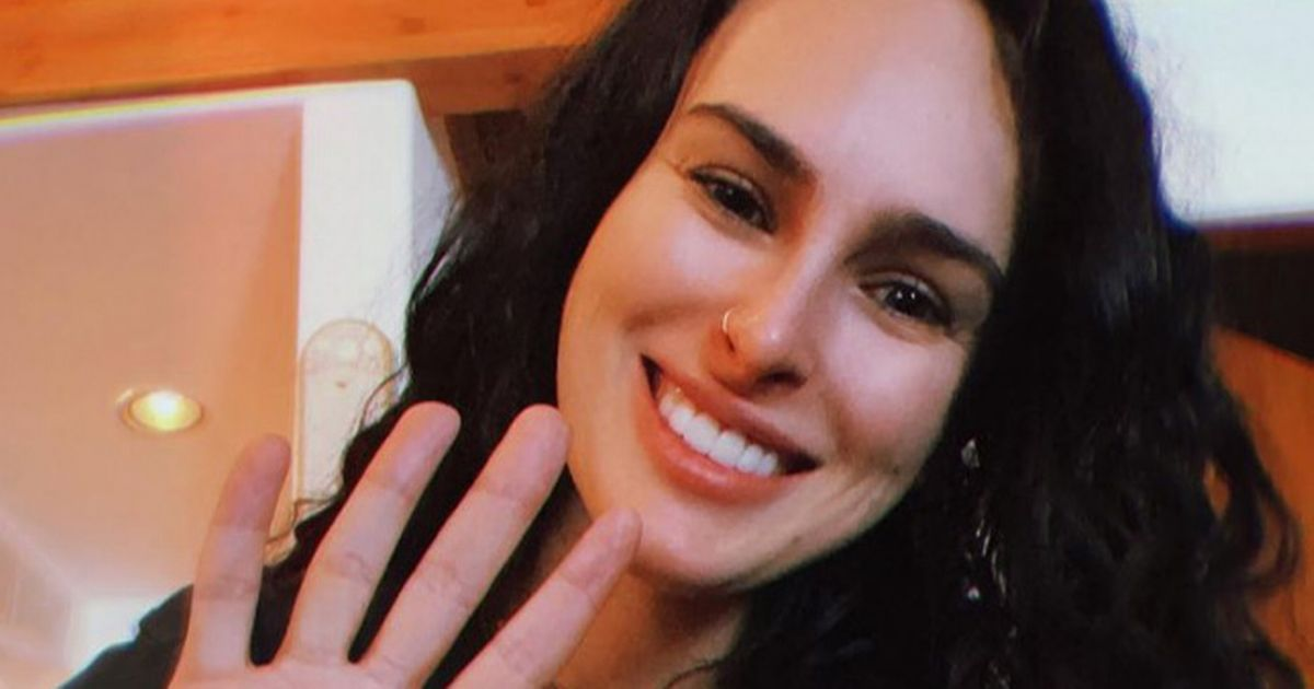 Rumer Willis celebrates 4 years of sobriety as she opens up about quitting booze