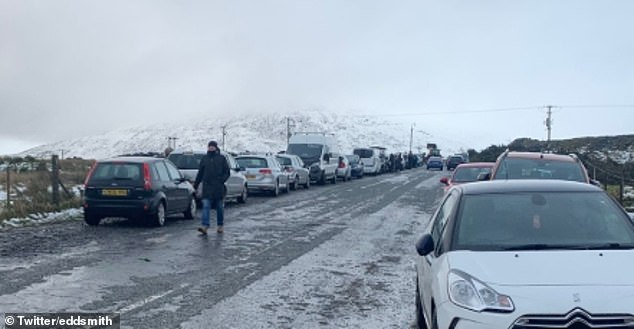 Wales may be under Alert Level 4, but dozens of cars lined Snowdonia on New Year's Day, with some travelling from as far as Kent