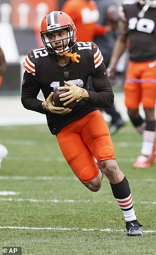 Browns wide receiver KhaDarel Hodge is among the two Cleveland players with coronavirus, according to NFL Network