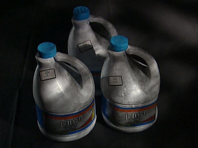 Susan Wright bought cleaning supplies to cover up the crime scene, including several large jugs of bleach