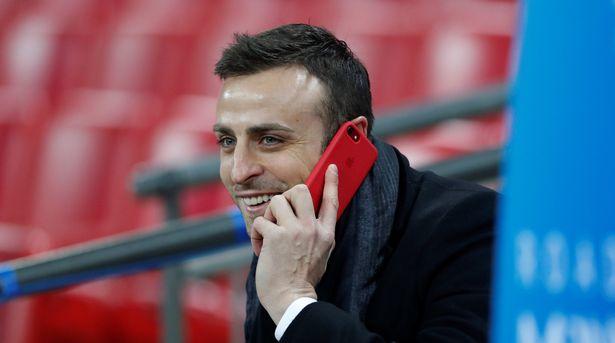 Dimitar Berbatov has given his take on Van de Beek's situation.