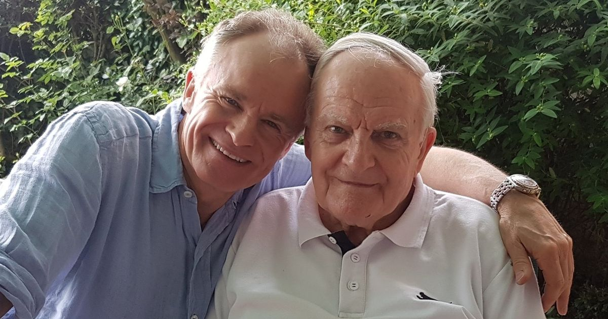 Bobby Davro's heartbreak as dad Bill dies aged 95 after care home visit ban
