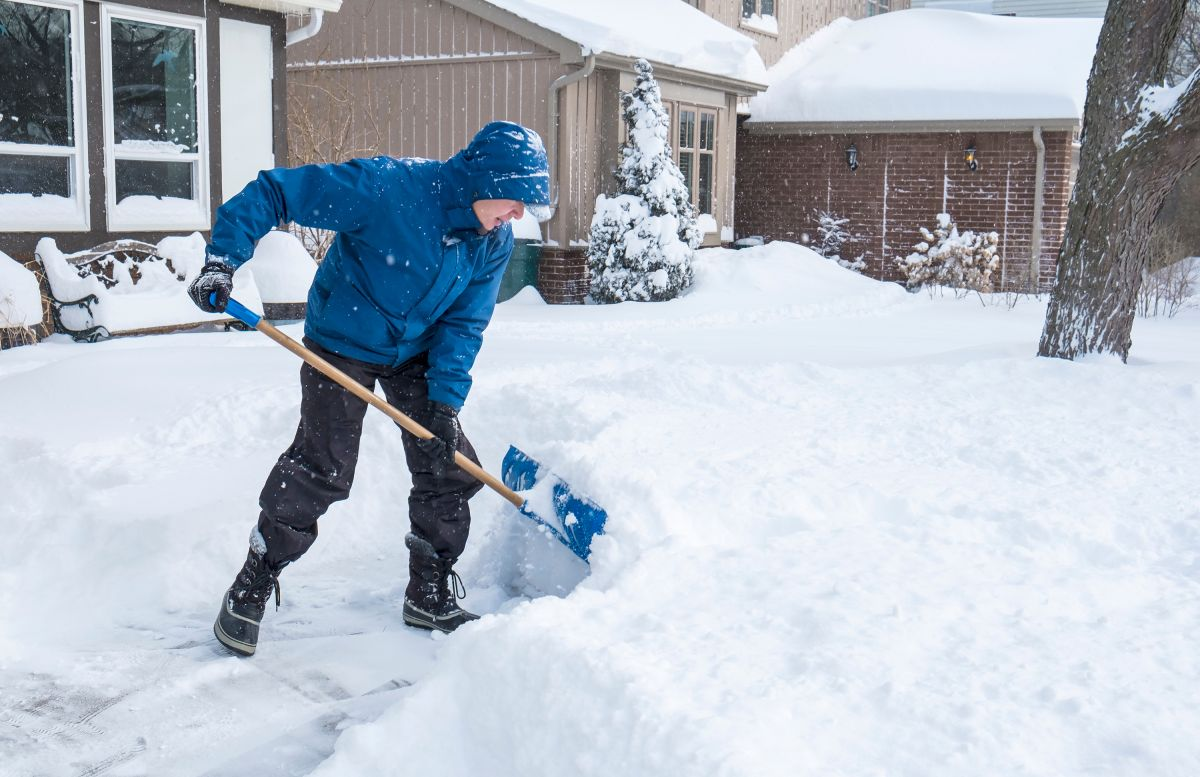 What to do and what not to do to shovel snow without hurting yourself | The State