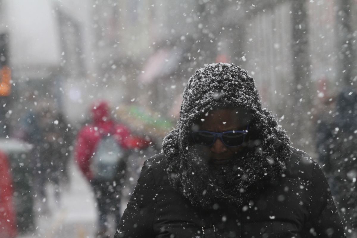 Why are the snowflakes symmetrical and hexagonal? | The State