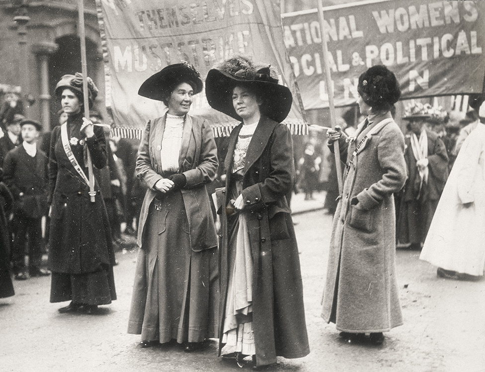 Christabel Pankhurst (center) during a demonstration to obtain the women's vote