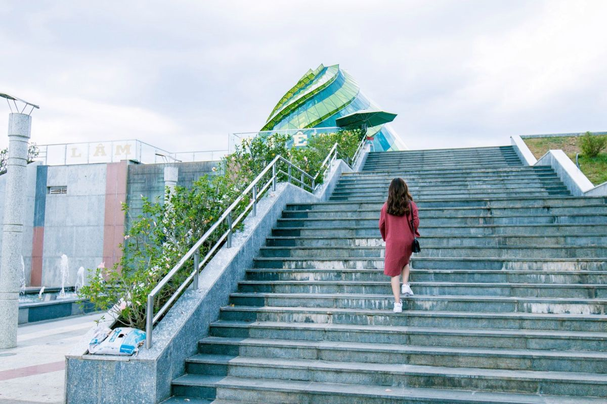 Is it good for your body to exercise by climbing stairs?   The State