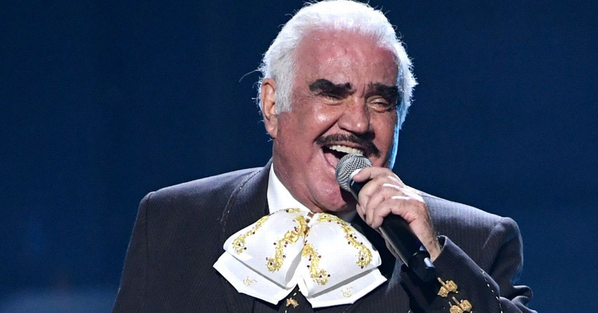 Singer Vicente Fernandez apologises for viral clip of him 'touching fan's bust'
