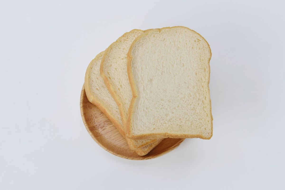 5 reasons why you should avoid eating white bread