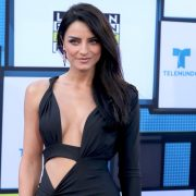 Aislinn Derbez leaves her legs exposed while taking a beach in Hawaii | The State