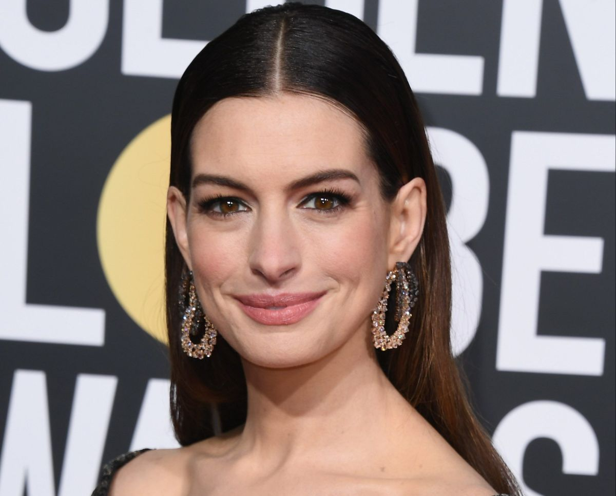 Anne Hathaway steals sighs with fiery cleavage on Instagram | The State