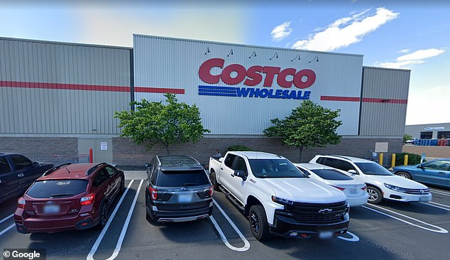 At least 145 workers at Costco in Washington contract COVID
