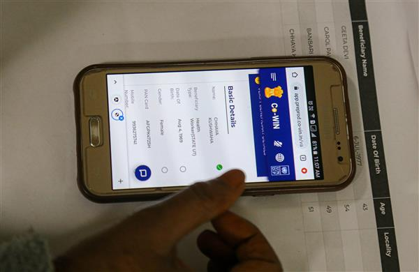 Beware of fake 'CoWIN' apps, warns Centre