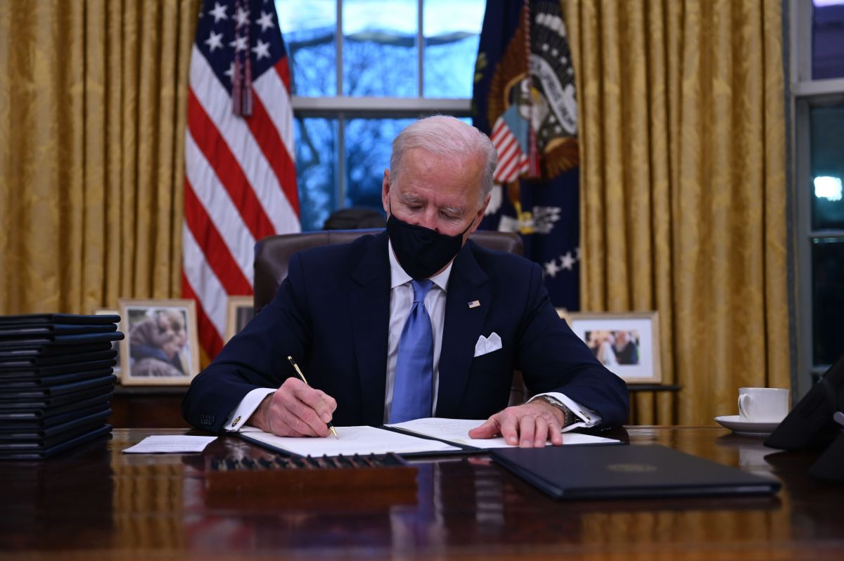 Biden Orders Stop Construction of Trump's Border Wall | The State