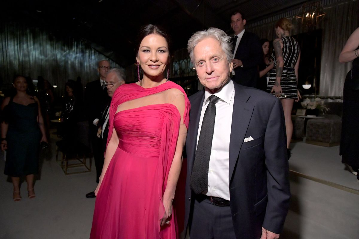Catherine Zeta-Jones' tender kiss to Michael Douglas, with a quote from William Shakespeare | The State