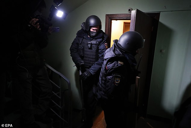 Cops search for evidence that Alexei Navalny violated coronavirus rules by calling for a rally
