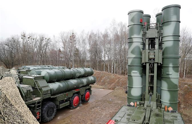 Despite US caution, Indian military team for S-400 leaves for Russia