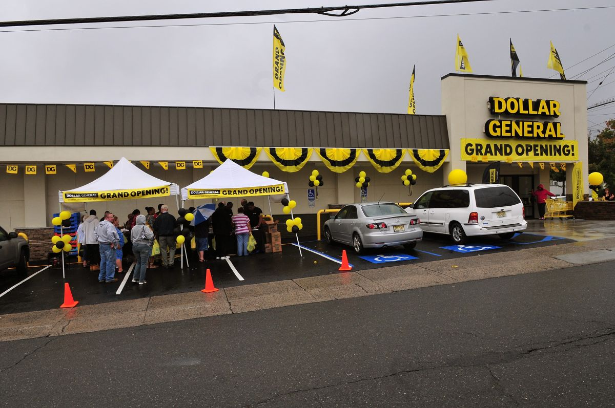 Dollar General will pay its workers to search for the COVID-19 vaccine | The State