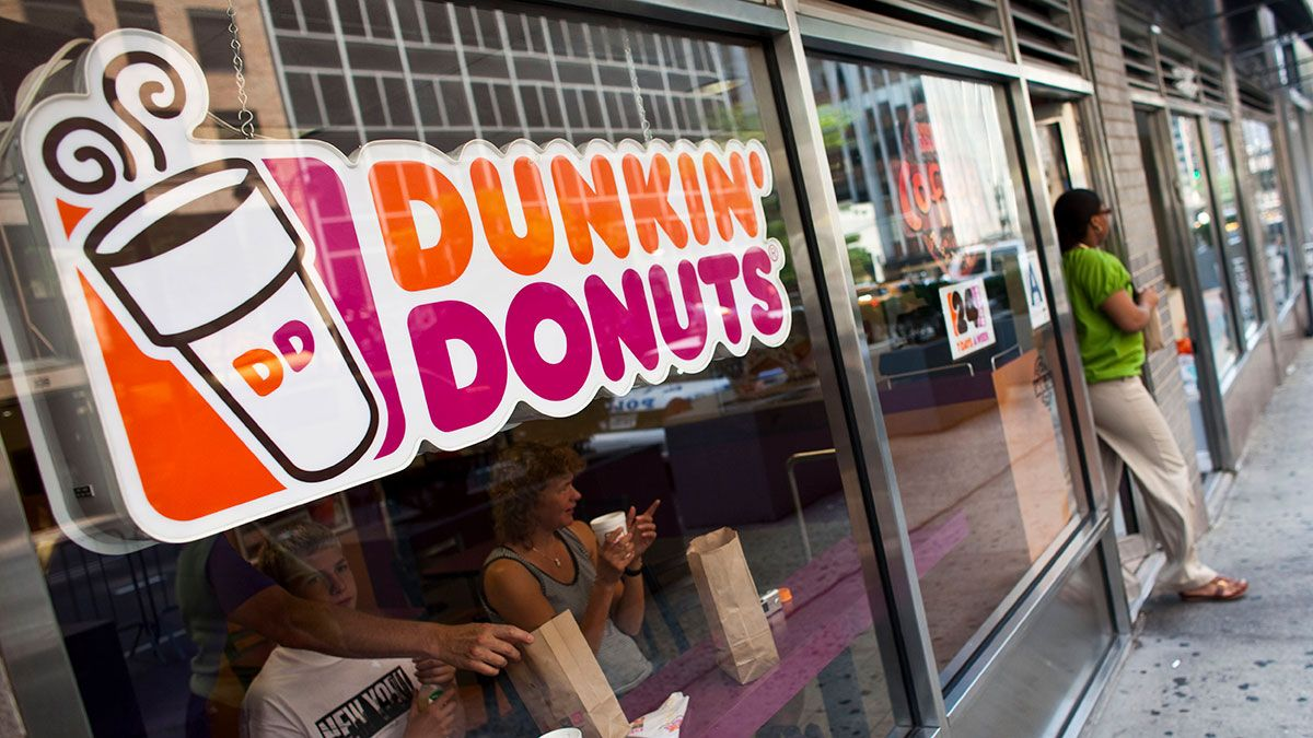 Dunkin 'Donuts launches a contest for you to get married this February 14 at one of its branches | The State