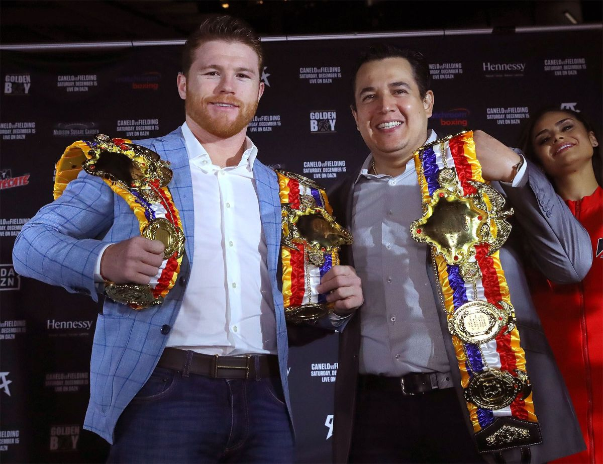 """Eddy Reynoso explodes against the detractors of """"Canelo"""" Álvarez: """"If they had guts, they would recognize that he is No. 1"""" 