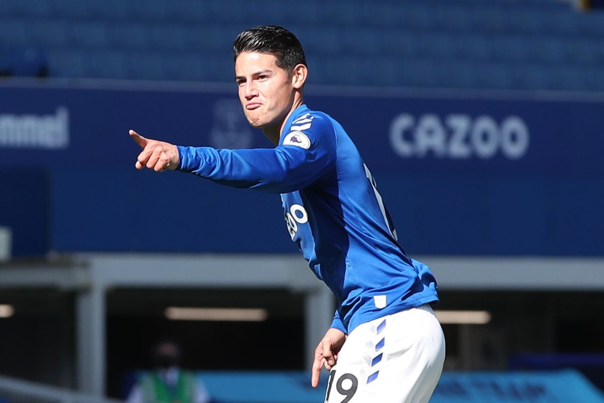 Everton takes three gold points with Colombians James and Mina as starters   The State