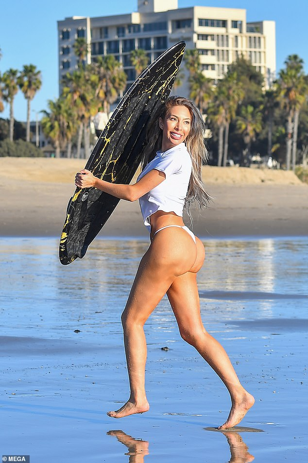 Farrah Abraham shows off her figure in a T-shirt and bikini bottoms