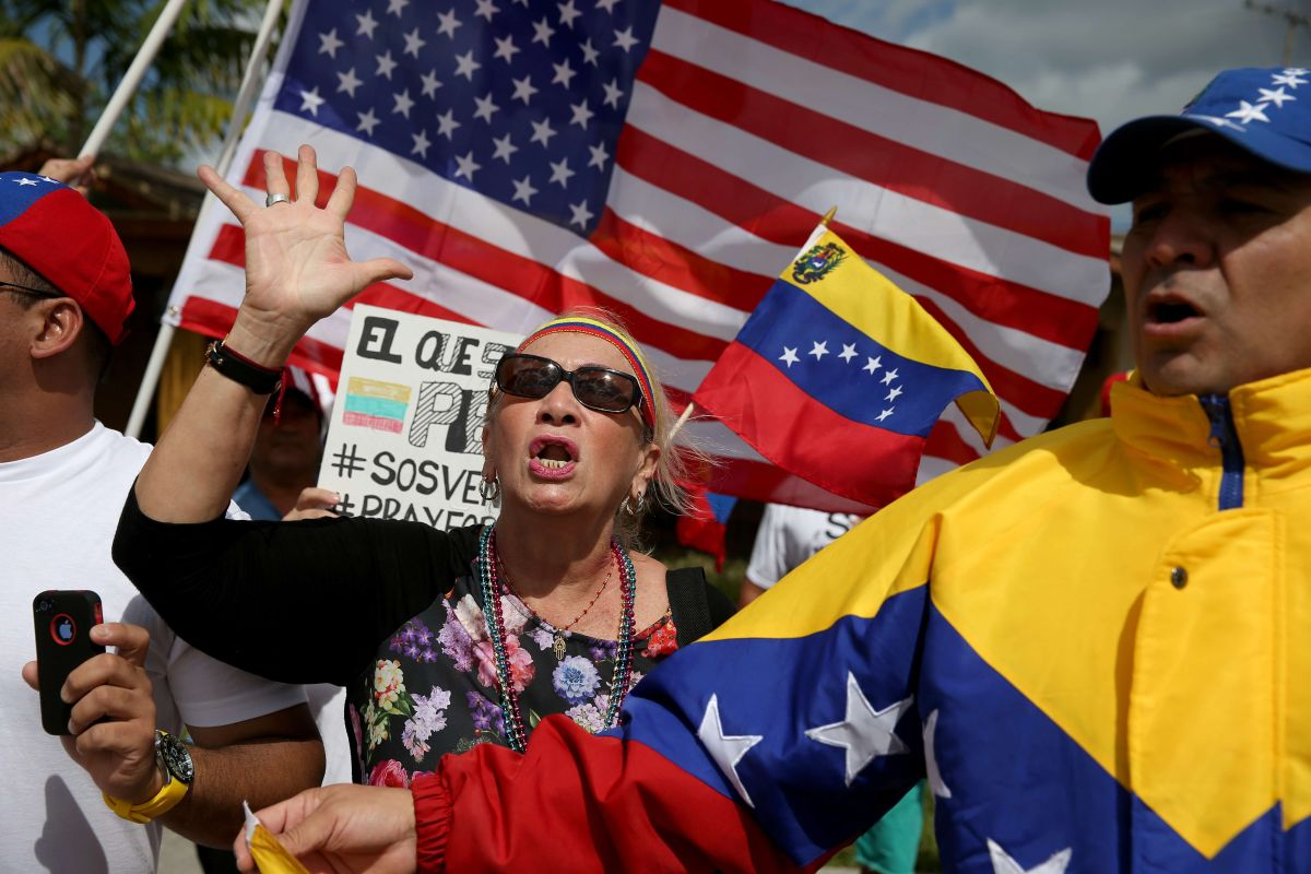 Four Democratic senators present plan to give TPS to Venezuelans | The State
