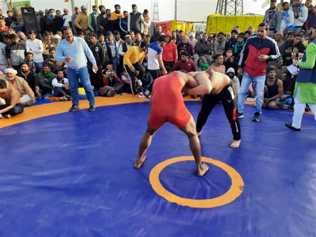 Grapplers show support for farmers through wrestling event at Ghazipur