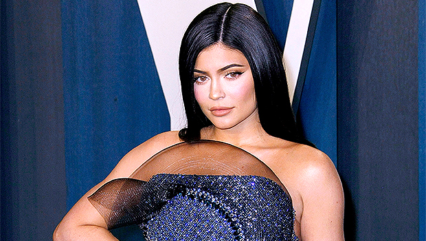 Kylie Jenner Takes A Sexy Bubble Bath In New Pic Amid Kim's Marriage Struggles