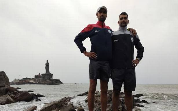 Naval officers Ram Ratan and Sanjay Kumar hope to set a new Guinness record with their Kanyakumari to Kashmir run
