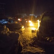 Over 500 tourist vehicles stranded between Solang Valley and Manali as road becomes slippery for traffic movement