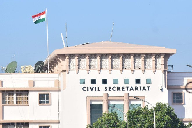Shortage of senior officials, Centre merges J-K cadre IAS, IPS, IFoS with AGMUT