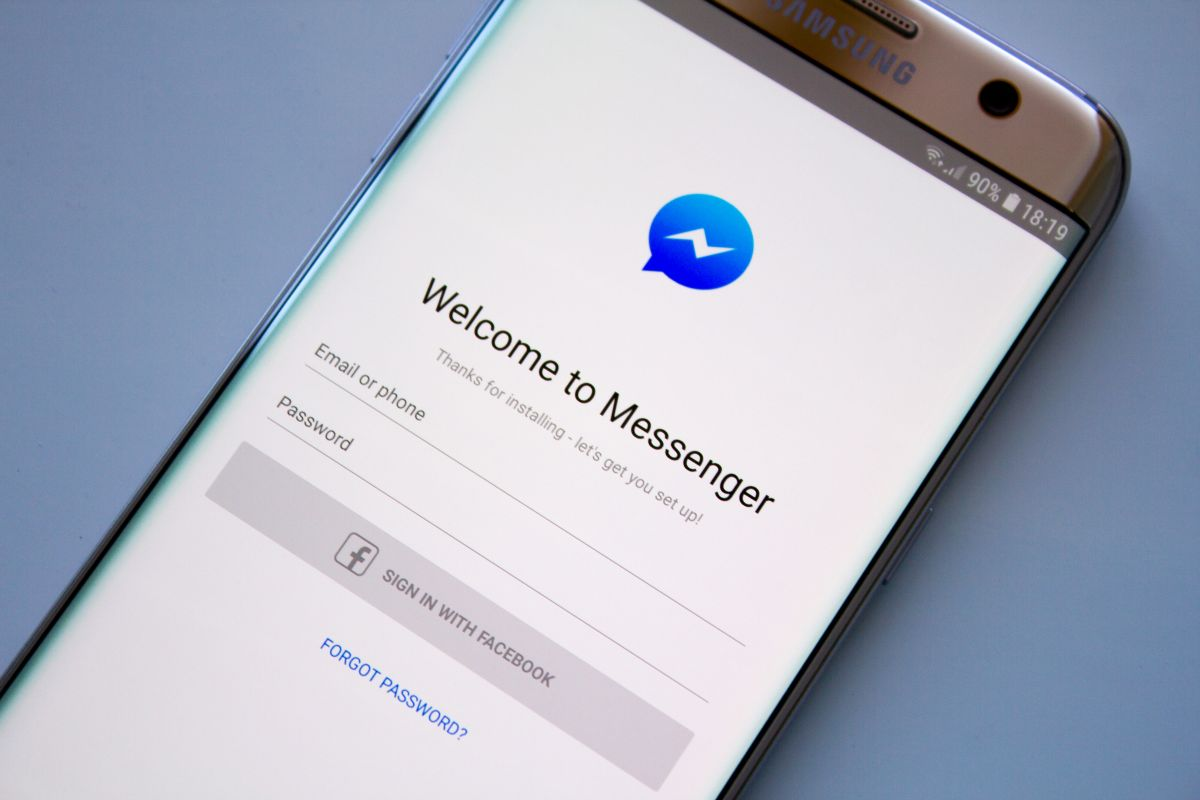 The reason you shouldn't use Facebook Messenger | The State