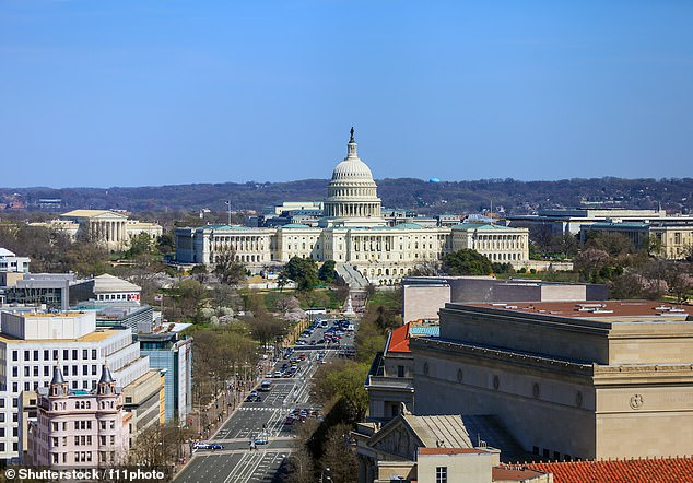 Threat to fly a plane into Capitol building is made on air traffic control frequencies