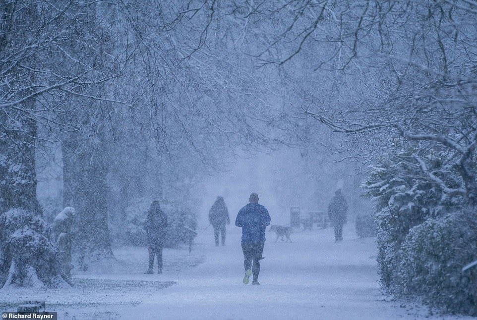 UK weather: Bookies slash odds on winter being coldest since records began