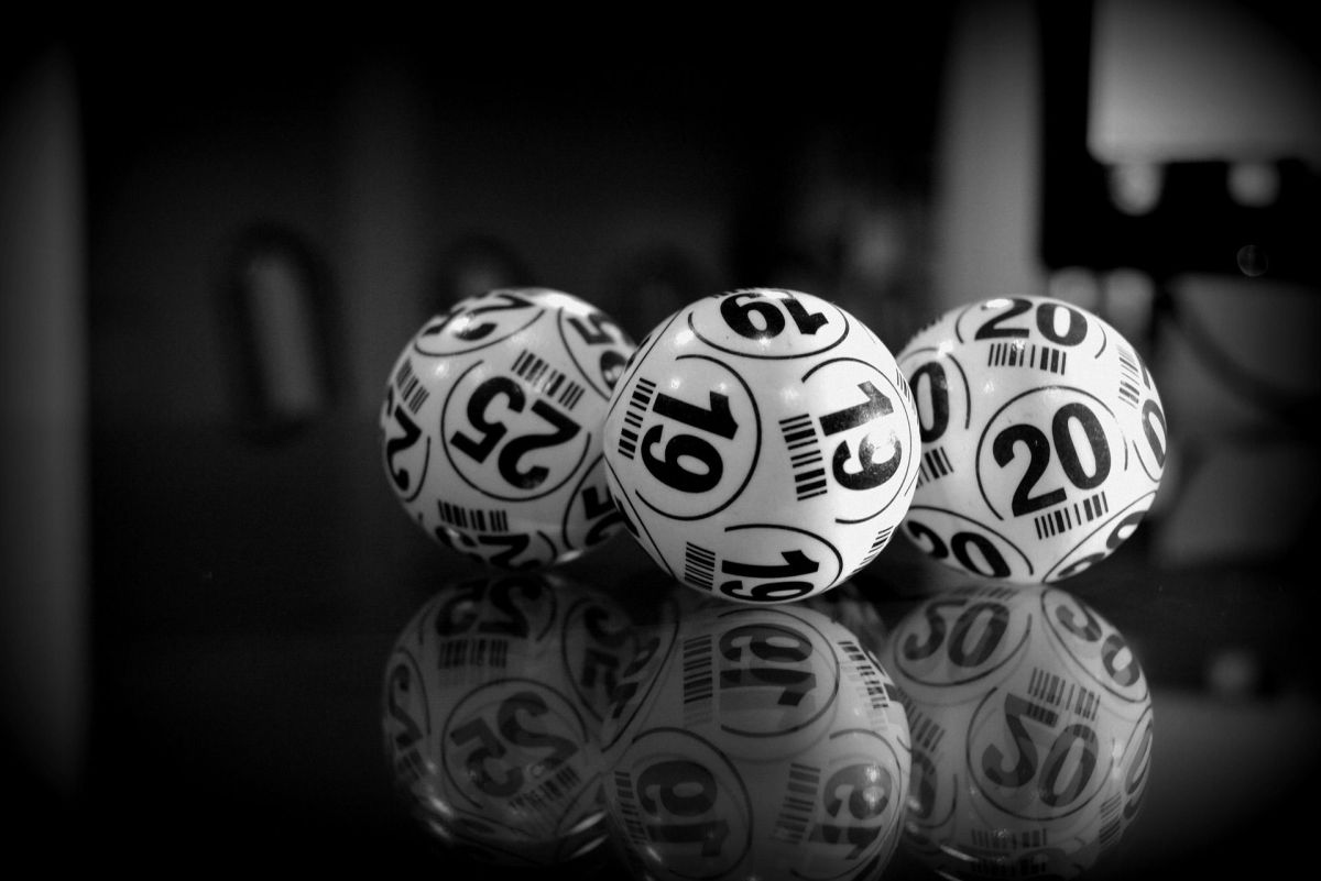 Woman wins $ 60 million in lottery playing numbers her husband dreamed of | The State