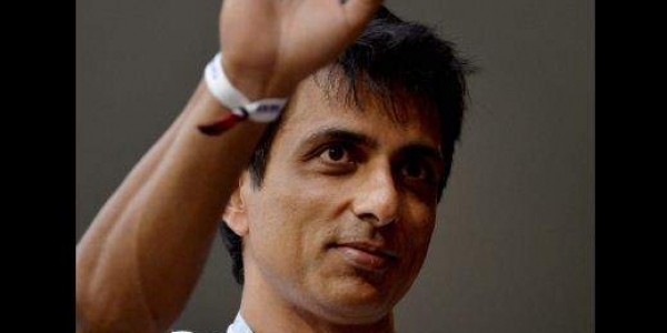 Messiah on the fight against Corona:Sonu Sood said – we need many celebrities and influential people to offer help to people