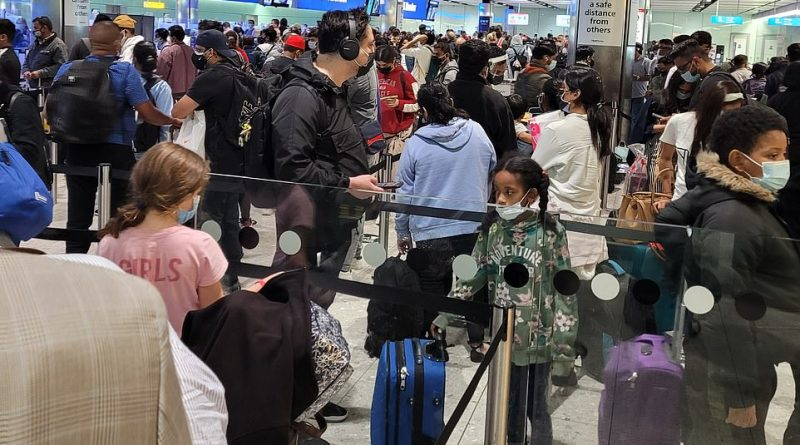 Passengers are 'terrified of catching Covid' while crammed into Heathrow UK border queue
