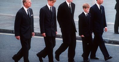 Prince Harry 'did not want to share his grief with the world' following Princess Diana's death