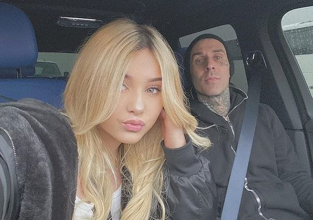 Travis Barker's daughter Alabama, 15, claims his ex Shanna Moakler is an absent mom